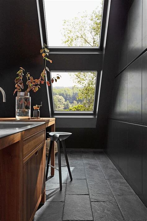 Schwingfenster In Schwarz by Das Elegante Schwarze F 252 Rs Dachgeschoss Aktuelles Mbd