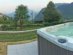Villa bellavista mit whirlpool und grossem garten ville for Whirlpool garten mit große pflanzkübel beton