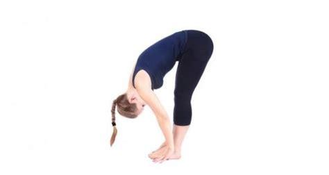 namos yoga pose   day padahastasana