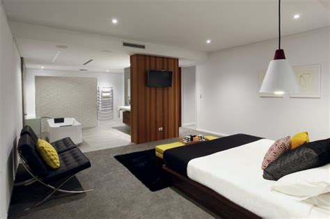 Small Rectangular Bedroom Design Ideas by Modern Rectangular Shaped House Boasting An Elegantly