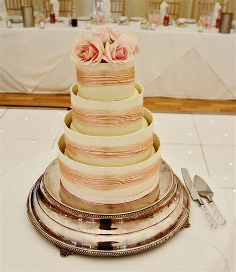 Wedding Cake Stands  10 Tips By Choosing  Idea In 2017
