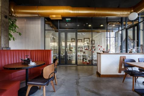 Roadhouse restaurant by Circle Line Interiors, Kamianske