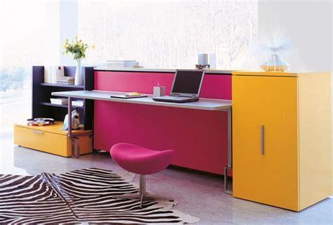lit escamotable avec bureau armoire design avec lit et bureau escamotable