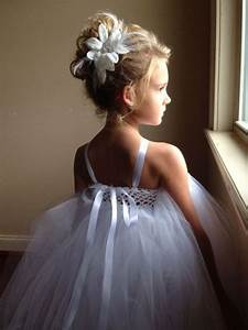 21 Super Cute Flower Girl Hairstyle Suggestions To Make