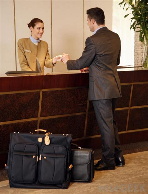 hotel front desk clerk how do i become a guest service agent with pictures