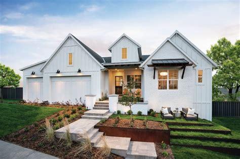 trendy modern farmhouse exterior styles build beautiful   modern farmhouse exterior