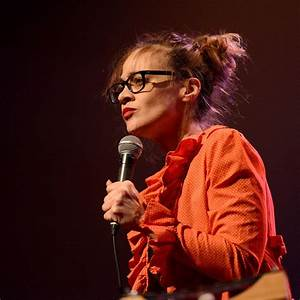 "Fiona Apple Releases ""Tiny Hands,"" A Theme Song for the ..."