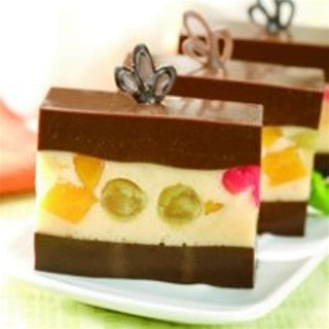Hal ini dikarenakan puding buah memiliki rasa yang lebih segar dan tidak membuat penikmatnya bosan. Puding Cokelat Buah - Resep Ku