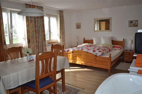 4bett Zimmer  Rosegärtli, Zimmer Und Ferienwohnungen