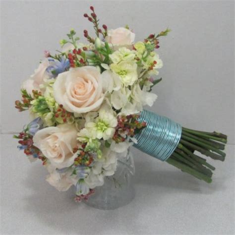 hydrangea wedding bouquet tutorial easy diy wedding flowers