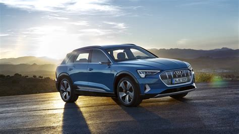 the 2019 audi e tron suv debuts with a 75 000 price tag