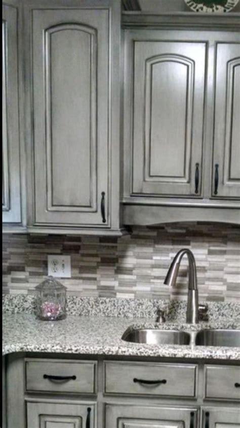 kitchen   perfect  island   darker