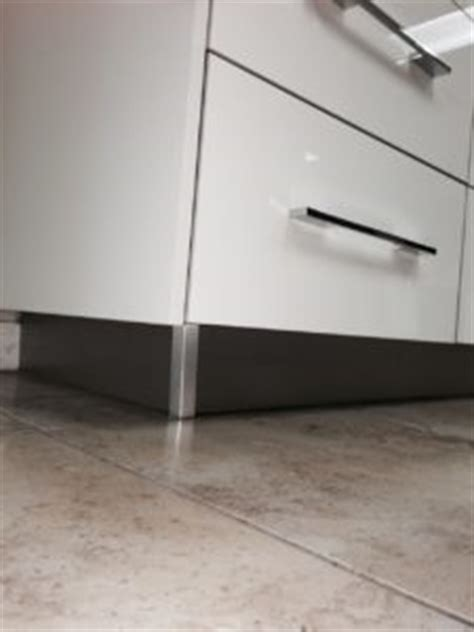 construction features modern rta cabinets