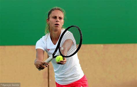 Professional tennis player from poland. Magda Linette wróciła na kort i wygrała. Pierwszy mecz ...