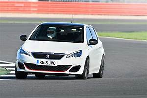 Peugeot à : peugeot 308 gti 2017 long term test review by car magazine ~ Gottalentnigeria.com Avis de Voitures