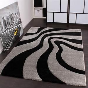 designer teppich festival mit konturenschnitt muster With balkon teppich mit tapete silber grau