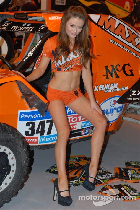 maxxis promo girl  autosport international show