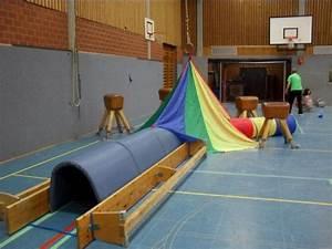 Turnen Mit Kindern Ideen : krabbeln und kriechen sport turnen mit kindern kinderturnen und turnen ~ One.caynefoto.club Haus und Dekorationen