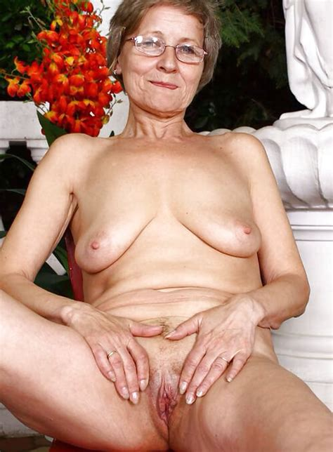 Matures And Grannies Exposing Their Pussy Pics