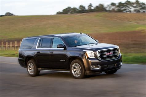 GMC Car : Gmc Yukon Vs. Lincoln Navigator