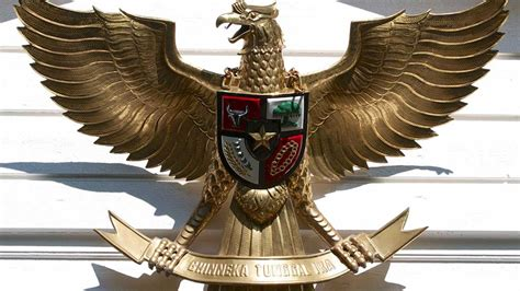 kasus zaskia gotik menghina lambang negara indonesia