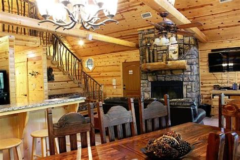 beavers bend log cabins beavers bend log cabins updated 2017 prices lodge