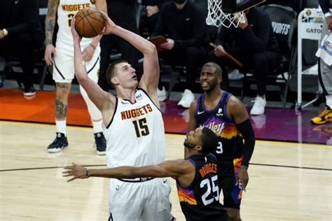 Home crowd fuels Phoenix Suns to Game 1 victory over ...