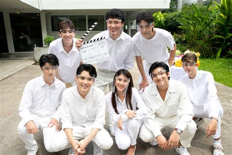 "Plae rak chan duai chai thoe, lit. นาดาว บางกอก ร่วมกับ LINE TV จัดพิธี ไหว้เปิดกล้อง LINE TV Original Series ""แปลรักฉันด้วยใจเธอ ..."