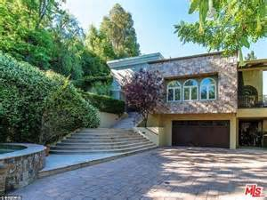 Nick and Vanessa Lachey sell Encino mansion for $3.995M ...