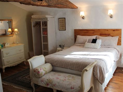 welcome to maison maurice bed and breakfast near pons and