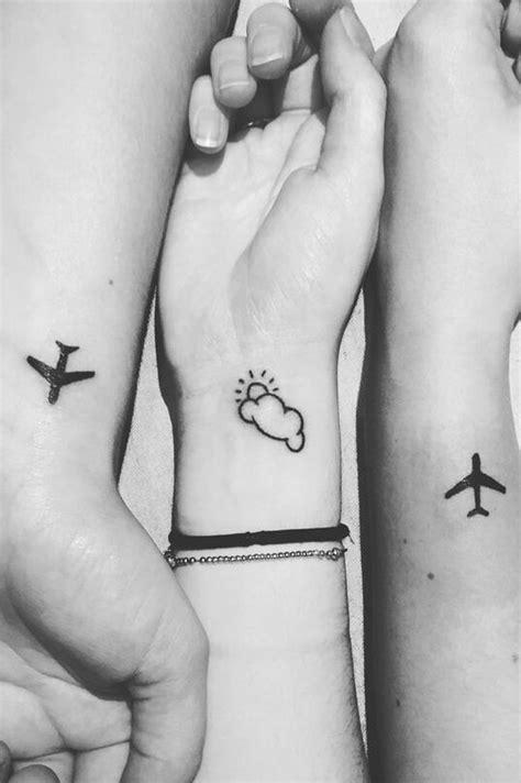 simple wrist tattoos ideas  pinterest henna designs wrist tattoo de henna