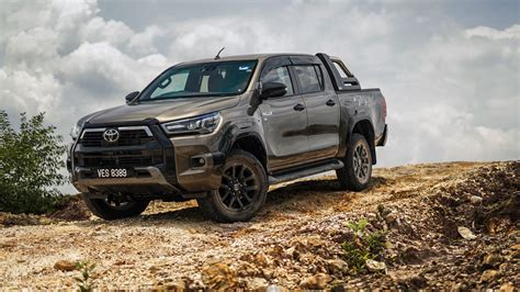Conquer all types of terrains with the new toyota hilux. Toyota Hilux Rogue Double Cab 2020 4K 5K HD Cars ...
