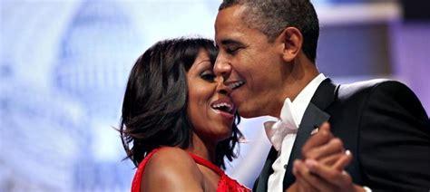 Barack Obama Resumen De Su Biografia by La Historia De De Los Obama Al Cine Cuando Bes 233 A Sab 237 A A Chocolate Noticias De