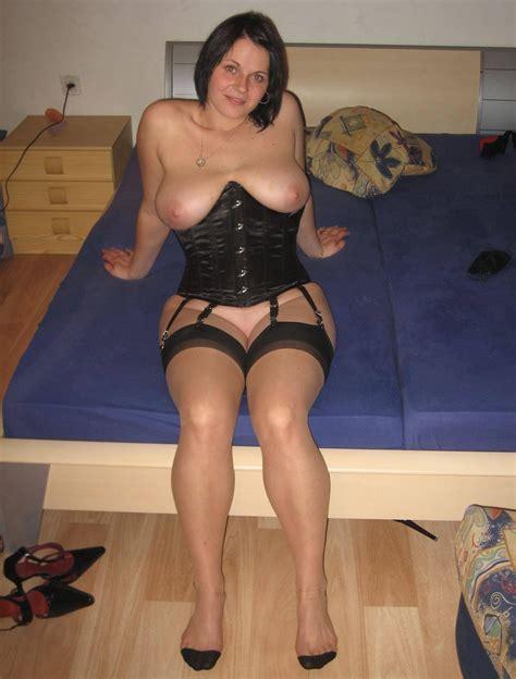 Very Sexy Busty German Amatuer Wife Teen Porn