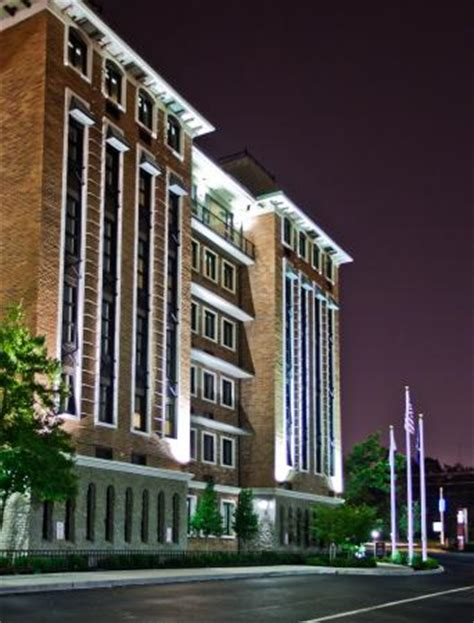 Crowne Plaza Hotel Louisvilleairport Ky Expo Center