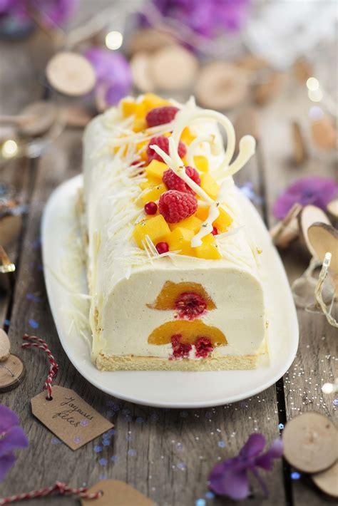 buche glacee au chocolat blanc  coeur de fruits mangue