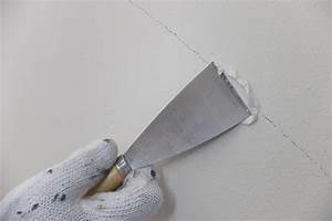 Risse Im Putz Reparieren : risse im putz ausbessern so behandeln sie sch den ~ Orissabook.com Haus und Dekorationen