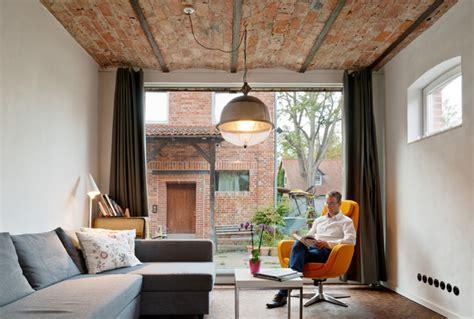 Wohnen In Industriegebäuden by Vom Kuhstall Zum Loft Industrial Wohnzimmer Hanover