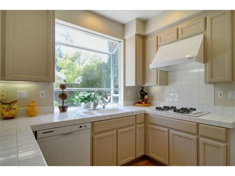 beige kitchen cabinets images 1000 images about beige kitchen cabinets on pinterest