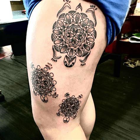 tatouage mandala cuisse signification