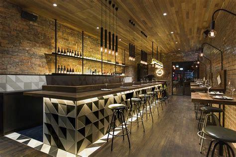 meubles bureau design idées déco pour un bar au look industriel