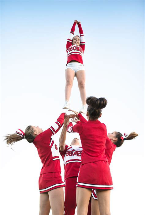 The Facts On The 3 Main Cheerleading Positions