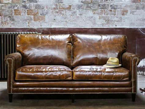 entretenir un canapé en cuir comment entretenir canapé le déco de maisons