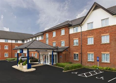 hotels  gatwick airport hotels  crawley bed