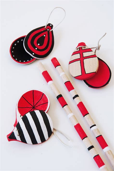 plastik wasserfest bemalen basteln malen kuchen backen kastagnetten aus holzl 246 ffel
