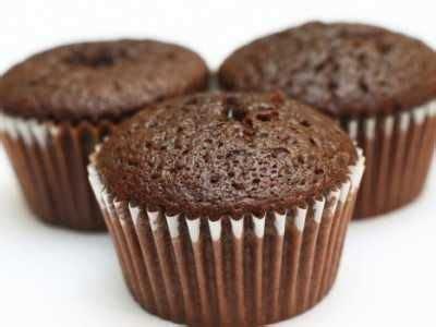 Beragam variasi cake yang bisa anda buat di rumah, salah satunya resep bolu coklat kukus (chocolate chiffon cake) ini. Resep Cara Membuat Cupcake Kukus Coklat Sederhana - Jago Lamaran