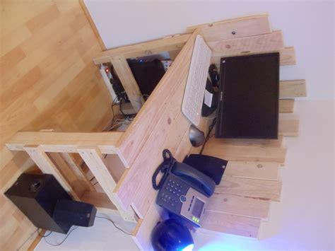 bureau en palette petit bureau en bois de palette david mercereau