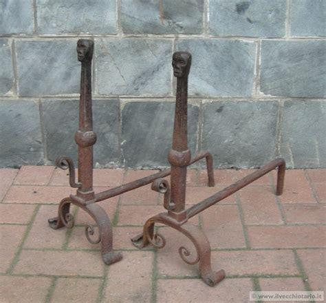 alari camino coppia alari per camini antichi