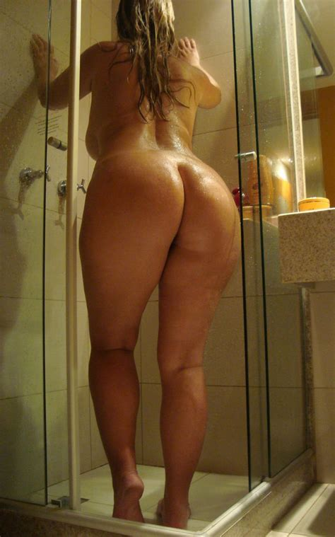 Shorties In The Shower Booty Of The Day
