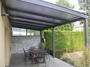 pergolas toit en dur polycarbonate pres de clermont With toit en verre maison 2 amenagement exterieurs pergolas
